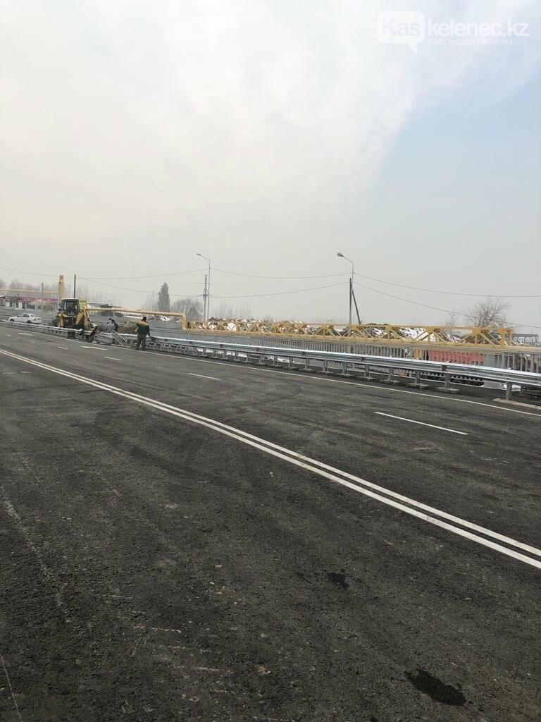 В Алматы завершена реконструкция моста через реку Аксай по улице Жандосова, фото-1