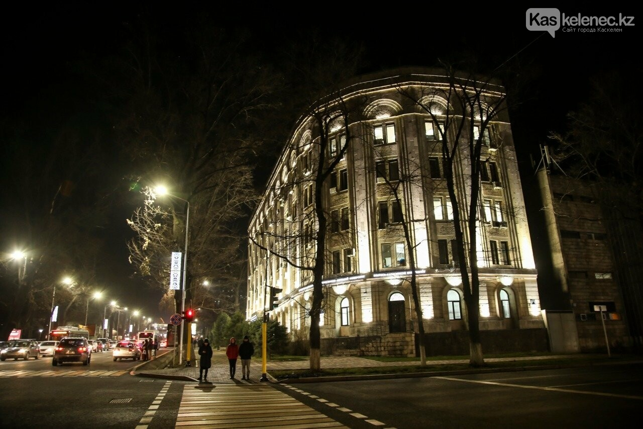 На 200 улицах Алматы устанавливают энергосберегающее освещение, фото-1