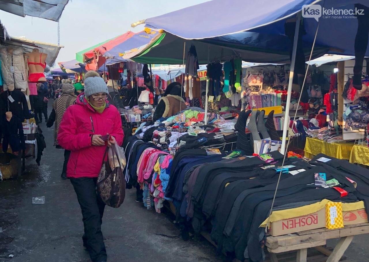 На рынке «Алтын Орда» в Алматы поймали банду воров: как работают карманники, фото-3