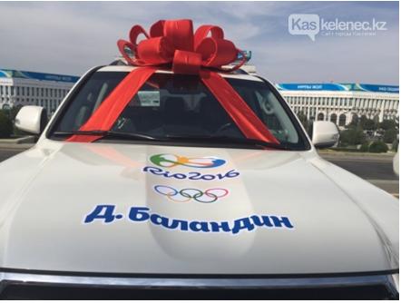 Внедорожник Олимпийского чемпиона обворовали там же, где убили Дениса Тена, фото-2