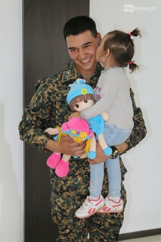 «Понял, что люди доверяют войскам»: военнослужащий из облетевшего Казнет фото на митинге, фото-2