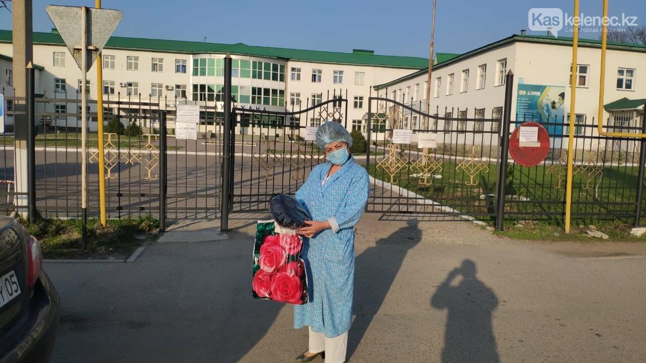 Медицинские маски получили больницы Каскелена и Шамалагана от волонтеров, фото-2