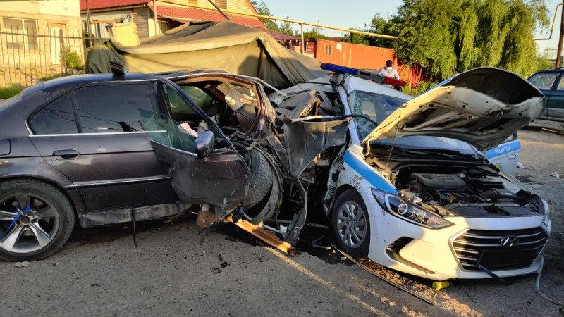 Пьяный водитель протаранил блокпост в Карасайском районе: двое полицейских скончались, фото-1